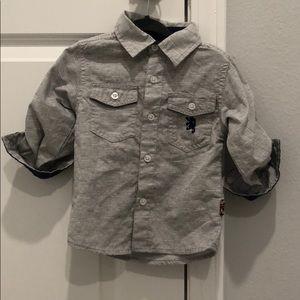 Grey 2t dress shirt.
